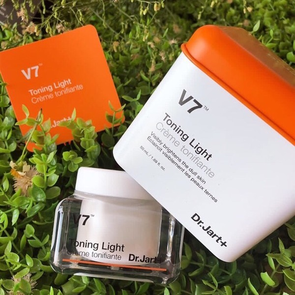 Kem Dưỡng Trắng Da Dr.Jart+ V7 Toning Light – MỸ PHẨM VÂN SHOP