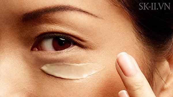 Kem Dưỡng Da Trị Thâm Vùng Mắt Mini SK-II R.N.A Power Eye Cream Radical New Age 2.5g 13